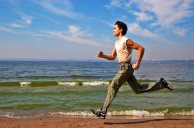 runner-on-beach